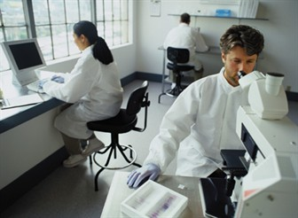 people in lab_336x246.jpg
